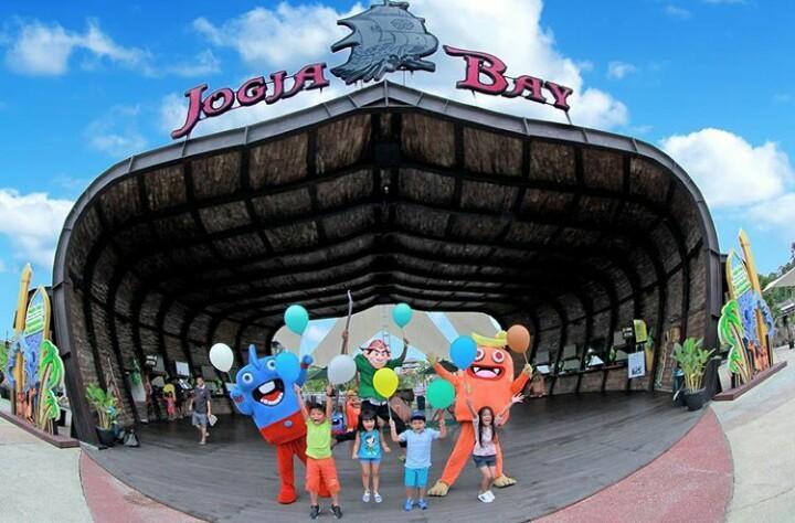 10 Wisata Waterpark Paling Hits di Jogja 2019